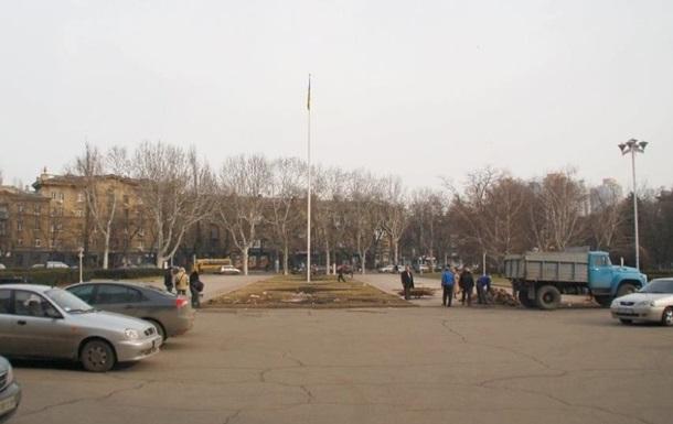 У здания Одесской ОГА начался демонтаж палаточного городка