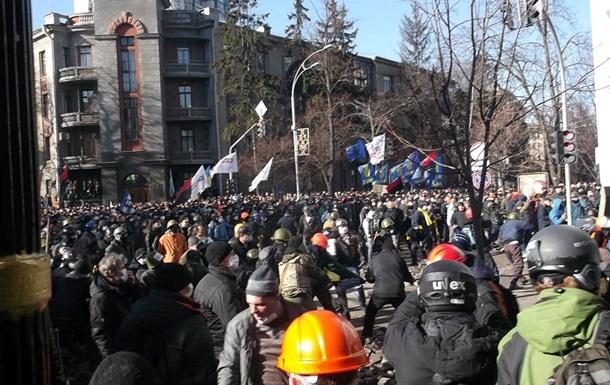 Активисты Евромайдана взяли в плен шесть силовиков