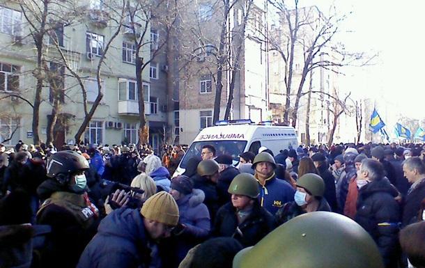 В столкновениях в Киеве пострадали около 30 протестующих - медслужба Майдана