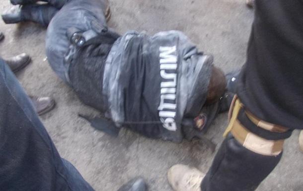 Внутренние войска подтвердили захват митингующими одного бойца
