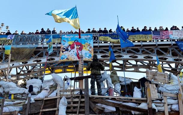 Беркут начал штурм верхней баррикады Майдана