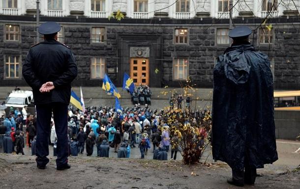 Правительство не обсуждало вопрос о введении ЧП в Украине – СМИ