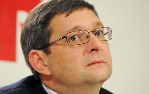 В соглашение об урегулировании кризиса, которое подпишут в 12.00, может быть включен пункт о досрочных выборах президента - депутат