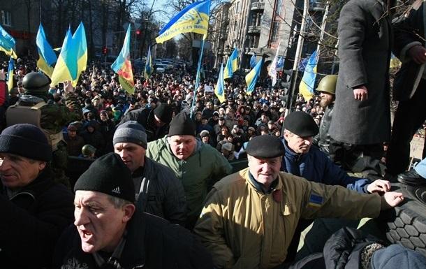 Протестующие требуют, чтобы выборы президента состоялись через три месяца