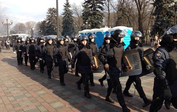 Правоохранители сняли оцепление вокруг Администрации президента