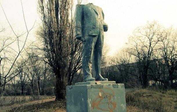 Сразу два памятника Ленину в Одессе подверглись нападению