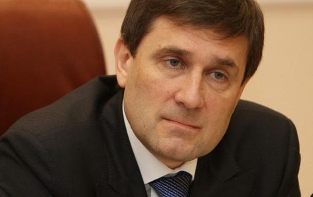 Я поговорил с Ахметовым . Донецкий губернатор обратился к жителям региона