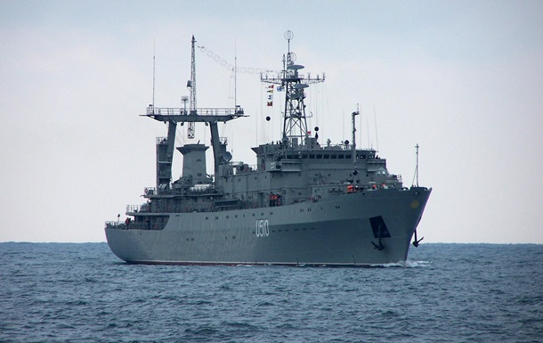 Экипаж корабля Славутич ВМС Украины дал силовой отпор вооруженным нападающим – Минобороны