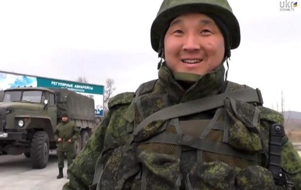 Командир расположившихся в Керчи военных признал, что они из России