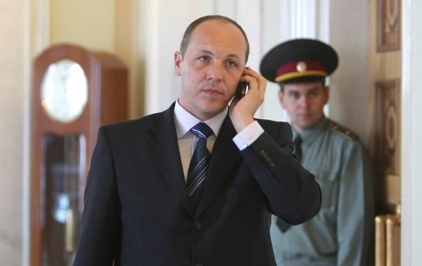 Существует опасность конфликта вдоль северной и восточной границ Украины - Парубий