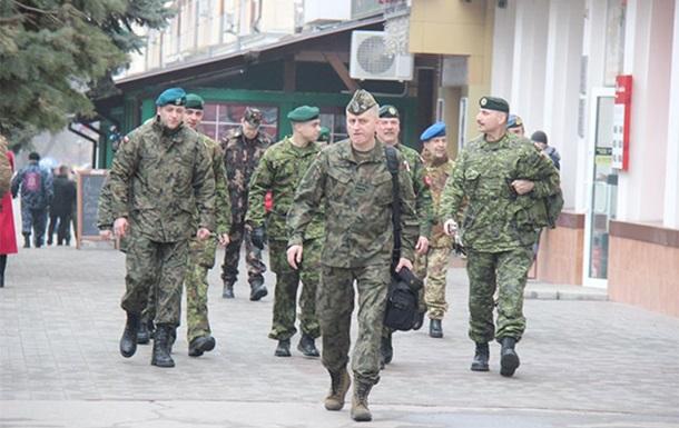 Наблюдателей ОБСЕ на границе Крыма остановили выстрелами