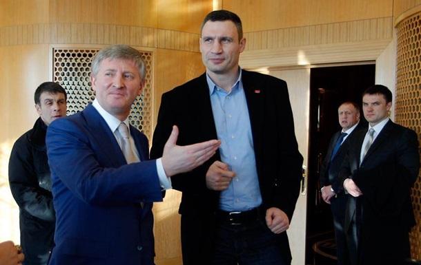 Кличко и Ахметов обсудили пути выхода из кризиса
