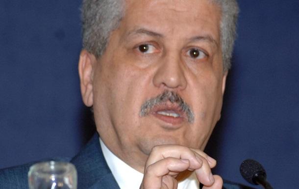 Премьер-министр Алжира ушел в отставку, чтобы возглавить предвыборный штаб президента