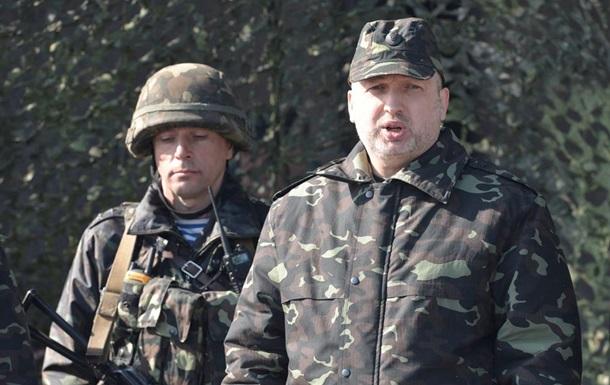 Турчинов побывал на учениях Сухопутных войск Украины