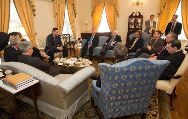 Кличко встретился с делегацией Сената США