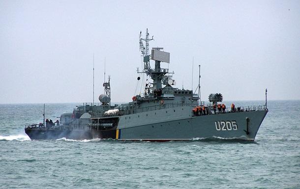 В Крыму российские военные захватили два украинских корвета