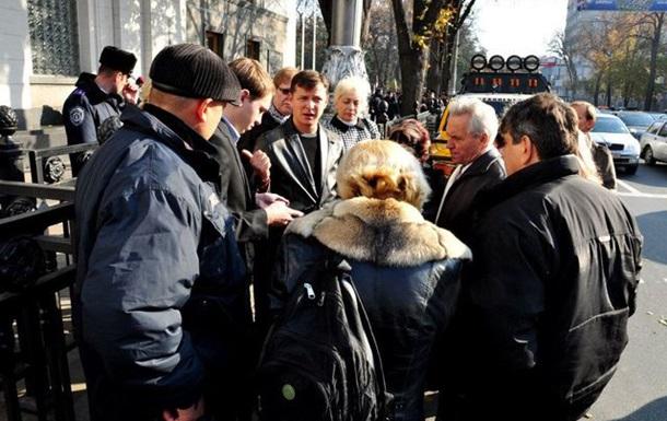 Литвин каже, що депутатам  не до чорнобильців