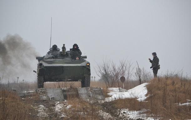 На Волині слухачі курсу Командного лідерства» стріляли та водили бойові машини