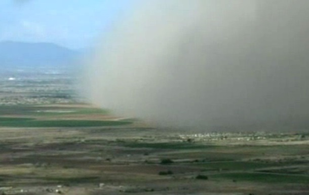 Мощная пыльная буря накрыла Аризону