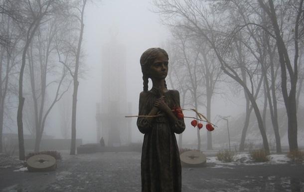 Український селянин терпів подвійно - і як селянин, і як українець  Р.Конквест