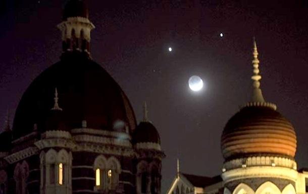 Земляне могли понаблюдать за «соединением» Венеры и Юпитера (ВИДЕО, ФОТО)