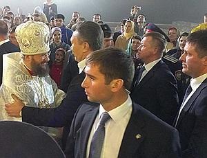 Янукович не причастился?
