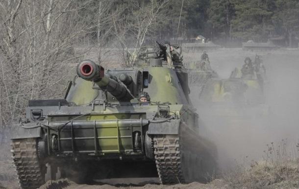 Российские войска отходят от границы Украины, но подвозят новейшие танки - Тымчук