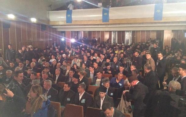 Внеочередная сессия Курултая началсь в Бахчисарае