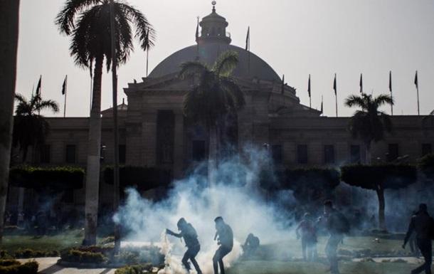 В столице Египта прогремели два взрыва