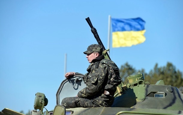 Украинским военным выдадут новое отечественное оружие - Турчинов
