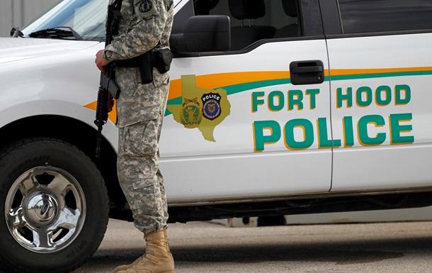 В Техасе на военной базе неизвестный устроил стрельбу