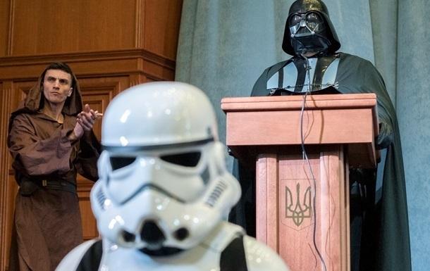 Дарт Вейдер был опасен для украинских выборов - глава Комитета избирателей