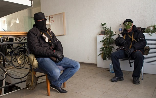 Донецкий Народный совет  просит Путина ввести войска в область