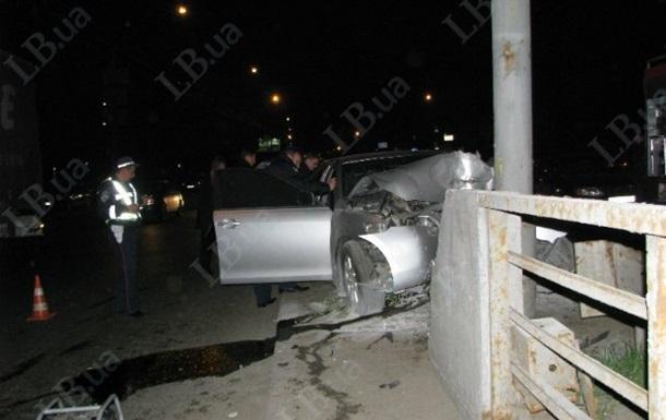 В Киеве в ДТП погибли два сотрудника прокуратуры