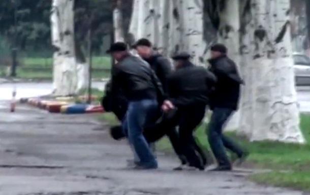 Видео с места расстрела автомобиля в Славянске