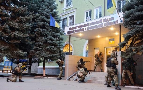 Сторонники федерализации ушли из ранее захваченного здания горотдела милиции в Краматорске