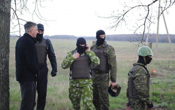 В Донецке вооруженные люди окружили райотдел милиции
