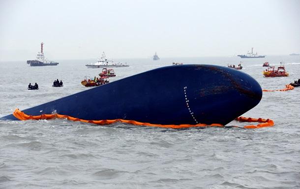 На затонувшем пароме в Южной Корее остались выжившие - СМИ