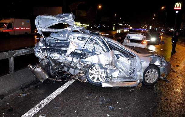 В Киеве пьяный водитель сбил насмерть двоих людей