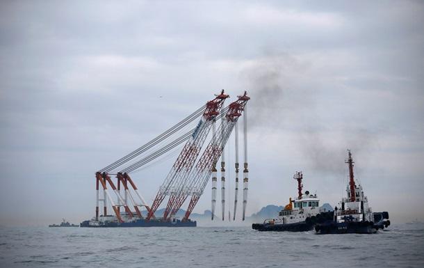 Спасатели попали внутрь затонувшего парома в Южной Корее