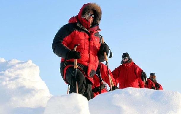 Детский Омбудсмен России с подростками застряли в снегах Арктики