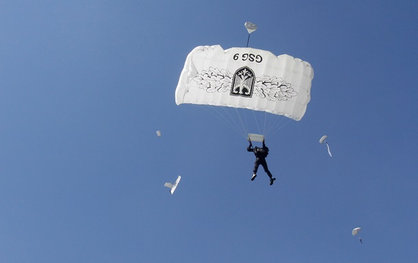 В Финляндии разбился самолет с парашютистами