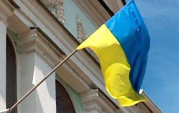 Неизвестные напали на здание Меджлиса и сняли украинский флаг