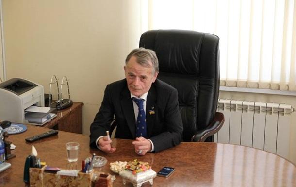 В Крыму запретили показывать по ТВ Джемилева и других членов Меджлиса