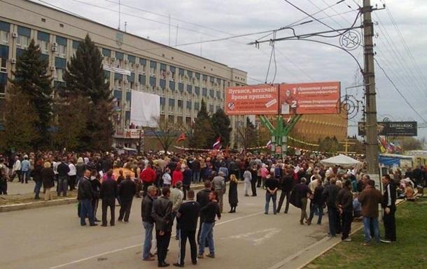 На митингах в Луганской области пострадали два милиционера – МВД