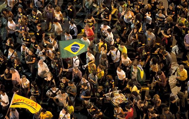 Массовые акции протеста парализовали Рио-де-Жанейро