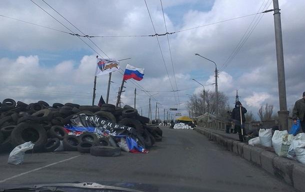 На подъезде к Славянску стреляли, есть погибший - самооборона