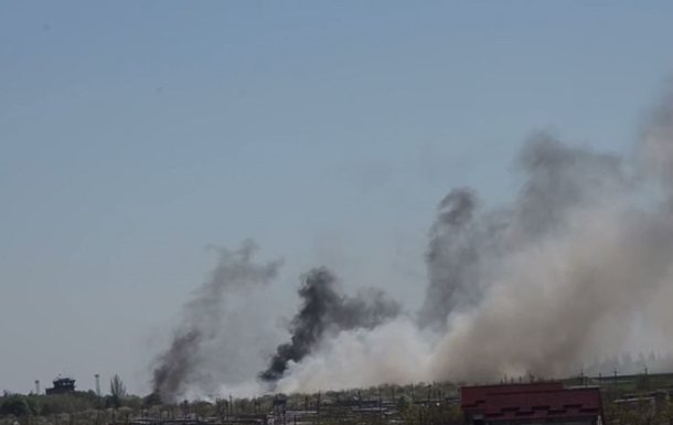 Возле аэропорта в Краматорске раздаются взрывы