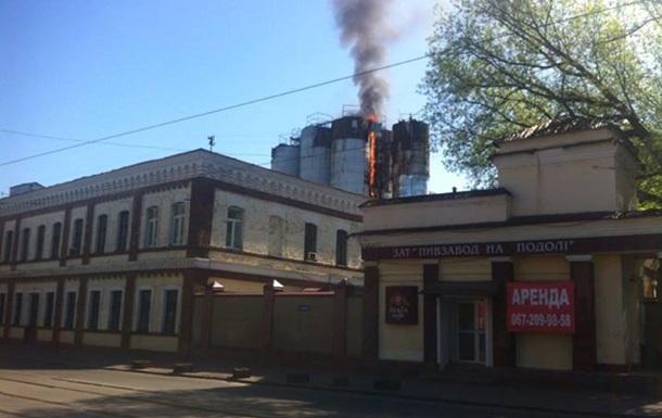 В Киеве горит пивзавод На Подоле