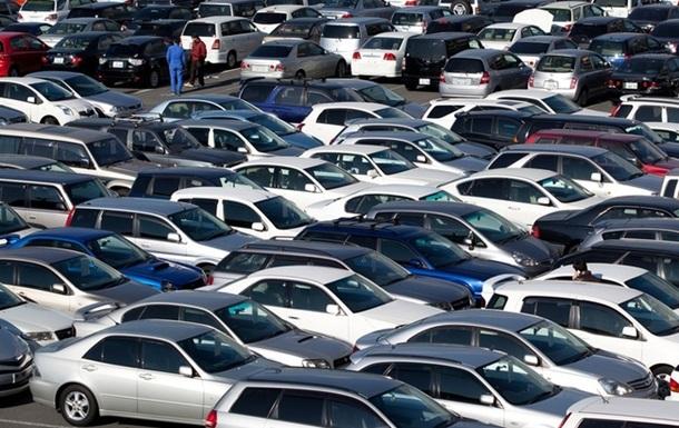 Рынок легковых авто в Украине за четыре месяца сократился на 39%